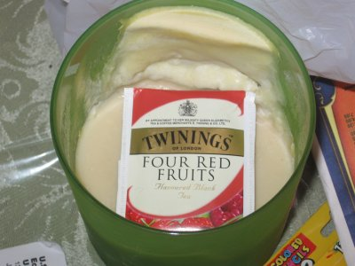 Twining&#8217;s Four Red Fruits Tea &#8211; Berry Good, Berry Good