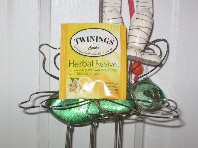 Twining&#8217;s Herbal Revive Tea &#8211; Fizzle In, Fizzle Out