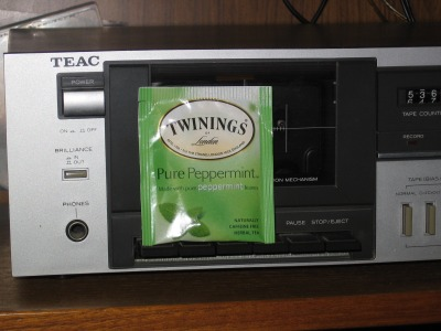 Twining's Pure Peppermint Tea – The Flyweight Contender